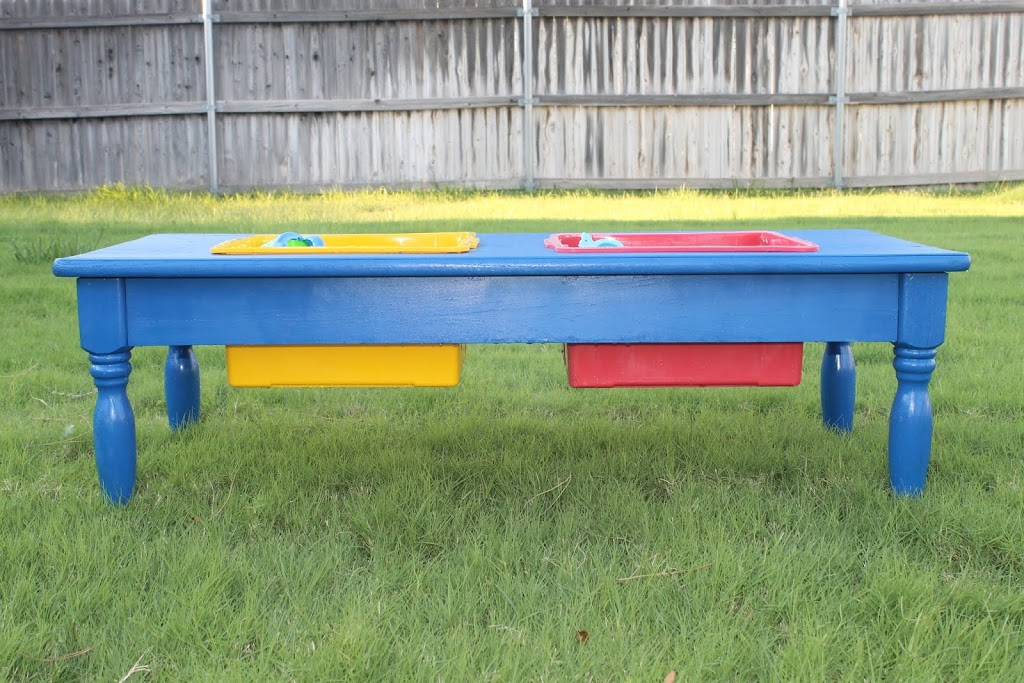 Diy sand and water table tutorial child at heart blog for Diy sand and water table pvc