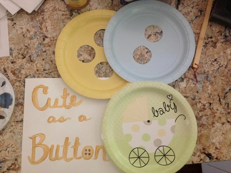 Button Themed Baby Shower Table Runner: Child at Heart Blog
