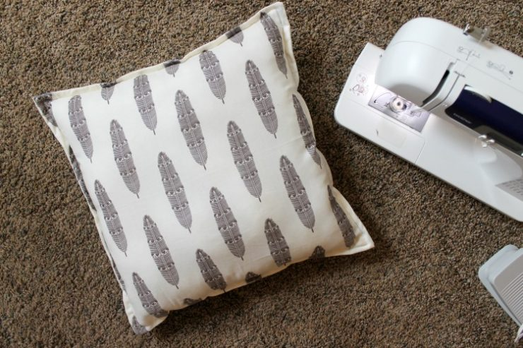 Cheap and Easy 5 dollar, 10 Minute, No Cutting Pillow Idea and Tutorial: the Child at Heart Blog Check out what my secret is for the EASIEST and cheapest pillow you will ever make!